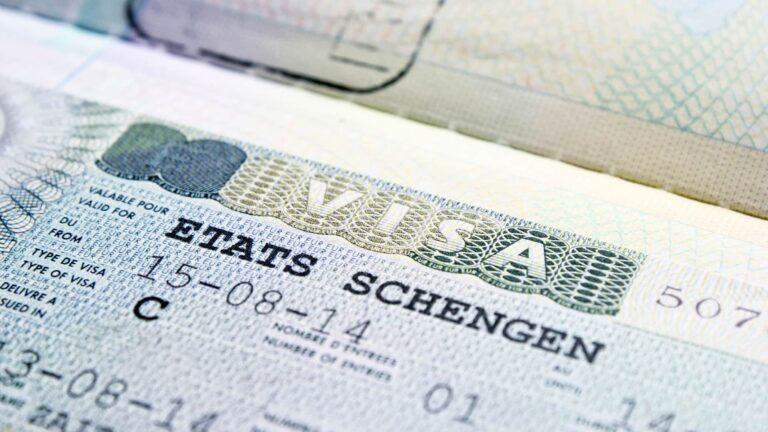 Visa Schengen pour les Algériens : Une arnaque à 4 000 euros