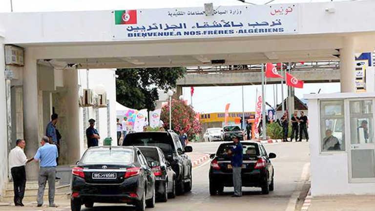 Des Algériens ferment la frontière avec la Tunisie